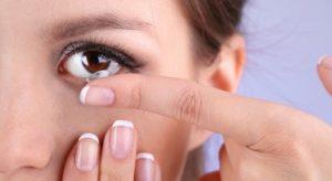 Como ponerse lentes de contacto