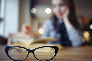5f99bfa7b7 En Especialistas Ópticos podrás encontrar una amplia variedad de lentes  graduados que se adapten a tus necesidades, visita alguna de nuestras  sucursales y ...